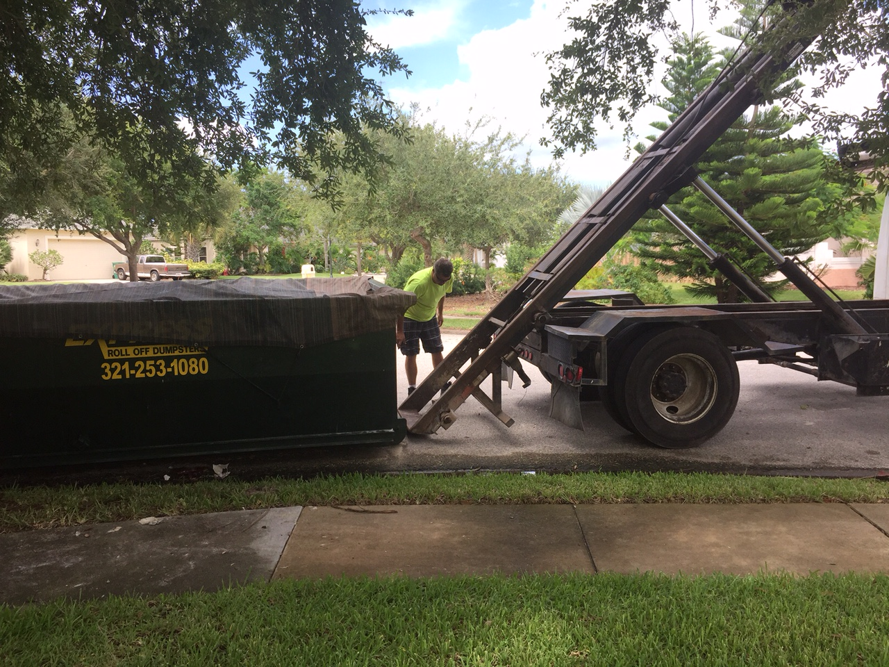 How to rent a roll off dumpster